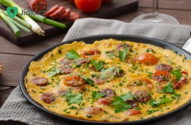 Omeleta s klobásou Chorizo