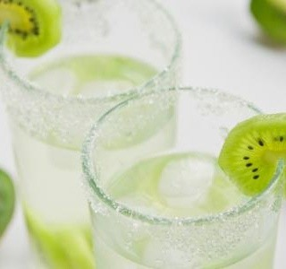 Šumivá kiwi limonáda