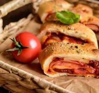 Benátská rolovaná pizza