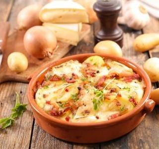 Francouzské brambory se sýrem