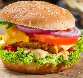 Hamburger s kuřecím masem