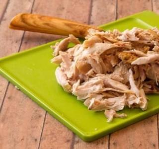 Kuře v  omáčce s knedlíky