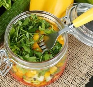 Lehký zeleninový salát