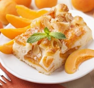 Lehký meruňkový koláč