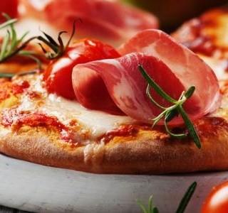 Mini pizza s šunkou a mozzarellou