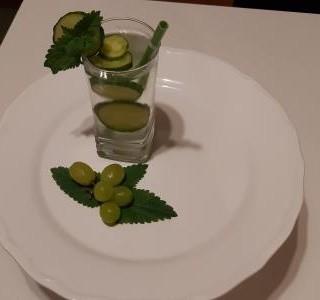 Okurkový osvěžující nápoj