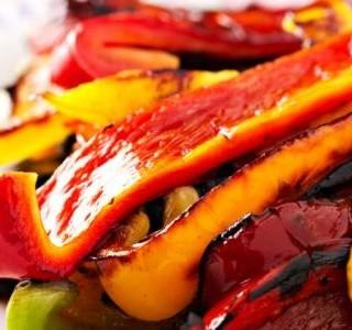 Pečené papriky s kapary a mozzarellou