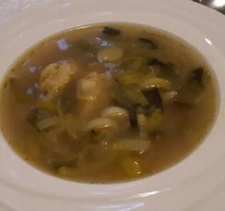 Pórková polévka s krupicovými noky