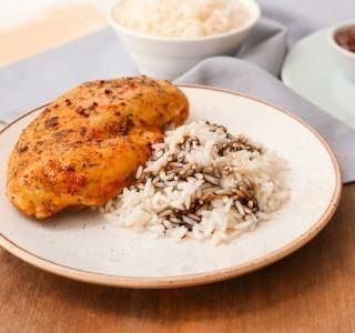 Přírodní kuřecí plátek s omáčkou