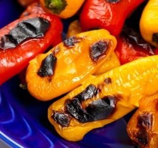 Sladké mini papriky plněné mozzarellou