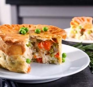 Slaný kuřecí koláč se zeleninou