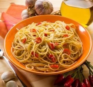 Špagety aglio olio e peperoncino