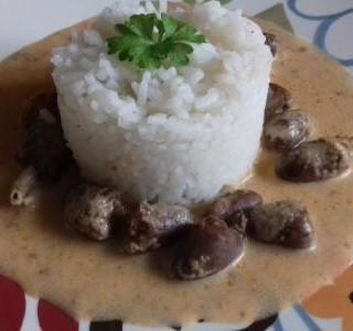 Srdíčka ve smetanové omáčce s rýží