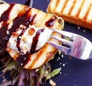 Grilované hrušky s gorgonzolou