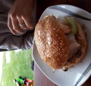 Hamburgery na grilu
