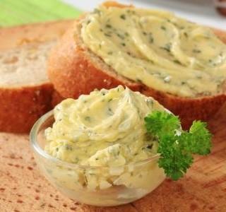 Jak na domácí ochucené máslo