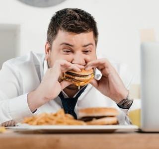 Jak na žaludeční vředy? Jíst v klidu!