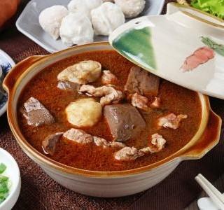 Jedním ze zimních potěšení je horká a hustá polévka.