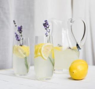 Kolik vody naše tělo potřebuje a jak tedy na správný pitný režim?