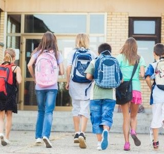 Připravte se na první školní den svého dítěte