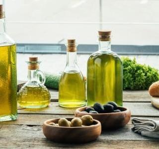 Rafinovaný nebo lisovaný za studena? Víte který olej kdy použít?