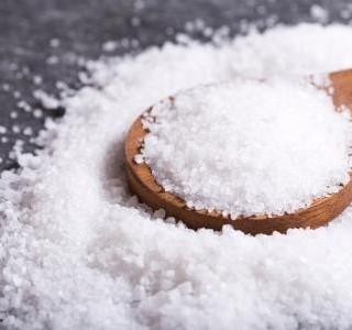 Víme jak a kdy solit v kuchyni?