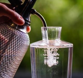 Vyplatí se domácí příprava perlivých nápojů?