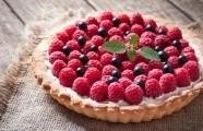 Nepečený  malinový koláč