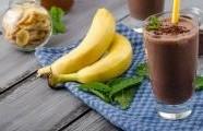 Banánovo-kakaový koktejl
