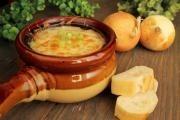 Cibulová polévka od babičky