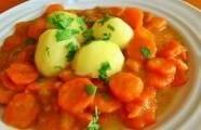 Dušená mrkev s bramborem