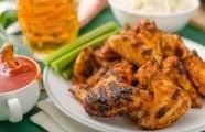 Grilovaná kuřecí křidélka s Tamarind Chipotle barbecue omáčkou