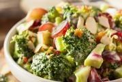 Jarní brokolicový salát