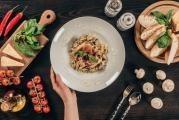 Konopné těstoviny se žampionovou omáčkou