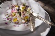 Kozí sýr s jedlými květy