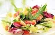 Kuře s jarním salátem