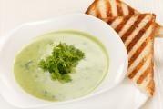 Letní bylinková polévka