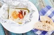 Pečený sýr feta s ostružinovým kompotem