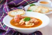Rybí polévka bujabéza
