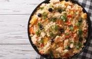 Salát z kuskusu s kuřecím masem a zeleninou
