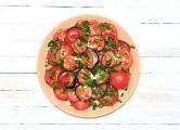 Smažené lilkové jednohubky s rajčátky